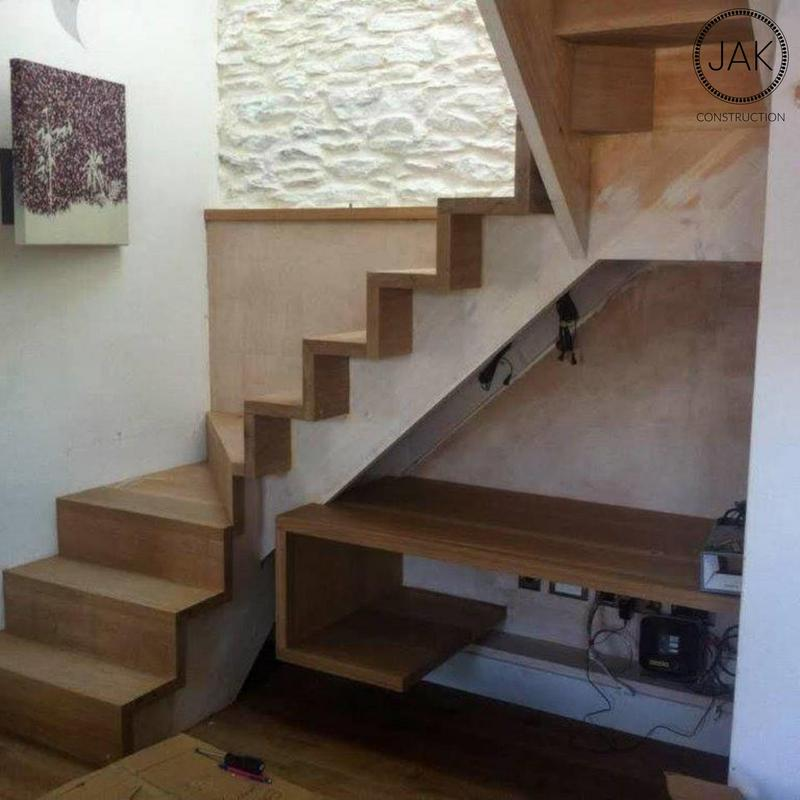 Image 21 - Staircase