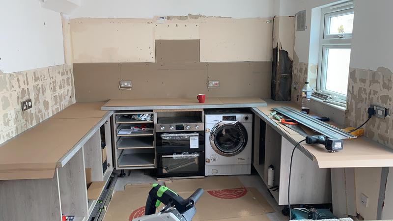 Image 2 - A Howdens Kitchen installation.