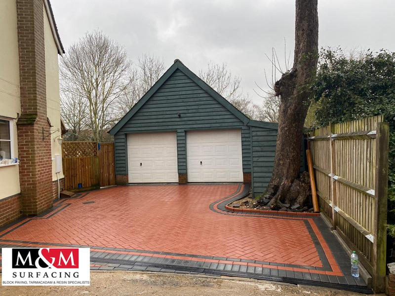 Image 87 - Block paving with a double charcoal boarder