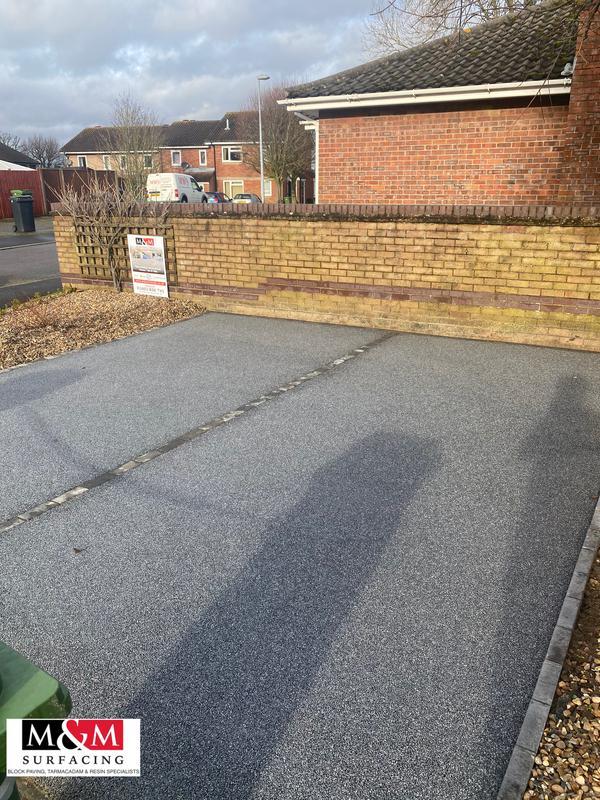 Image 90 - Resin bound driveway