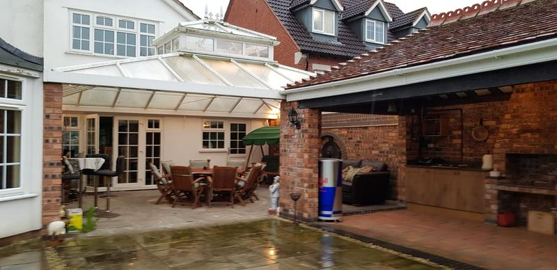Image 1 - BBQ, patio and glazed canopy