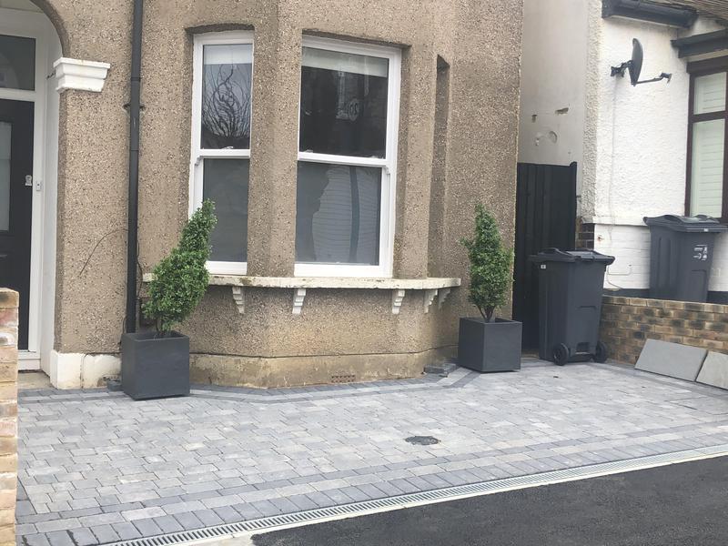 Image 15 - Graphite free size Tumbled paving