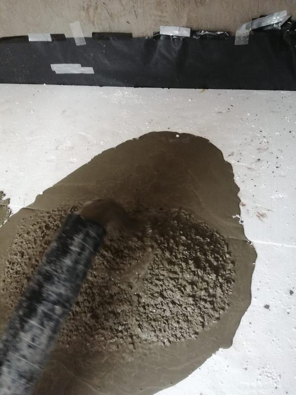 Image 21 - pump in concrete