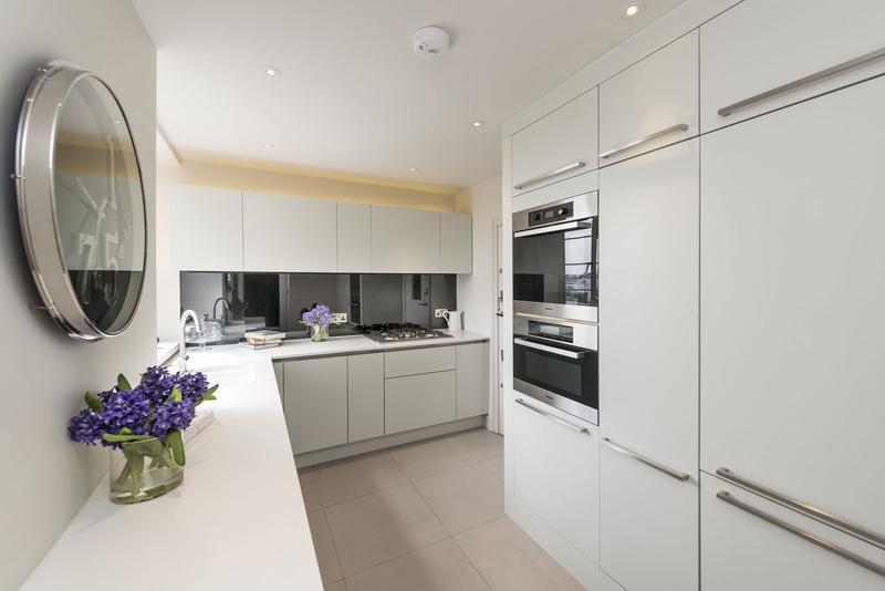 Image 7 - Bespoke comtemporary style kitchen