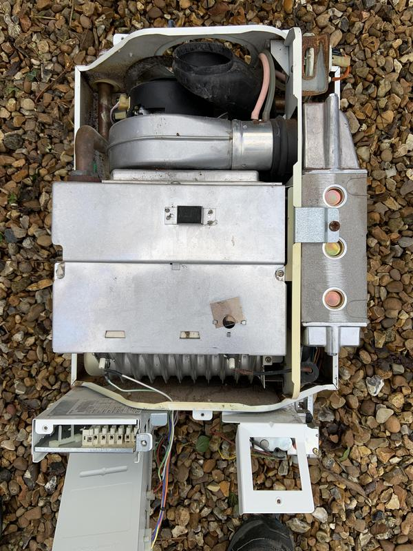 Image 15 - An old clapped out Suprima HE removed