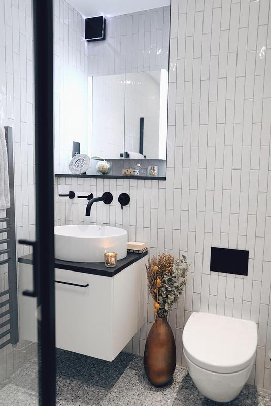 Image 6 - Over 1000 tiles in this black and white bathroom. - St Johns Wood, NW8