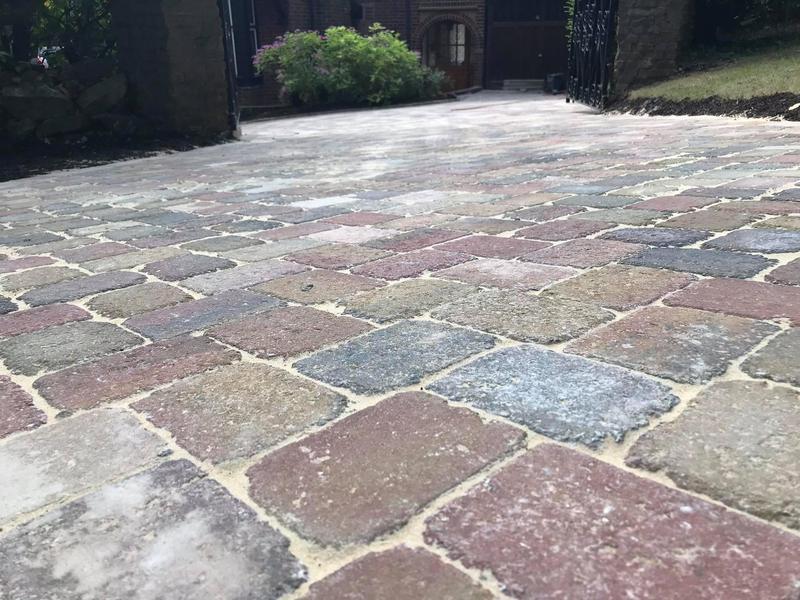 Image 18 - Block paving