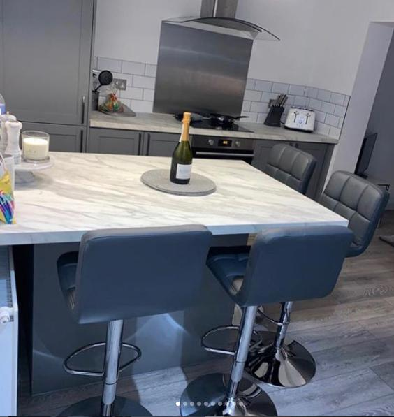 Image 28 - New kitchen installed
