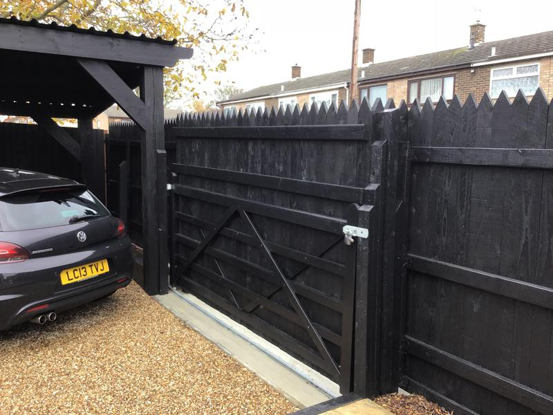 Image 15 - New gate and posts and fencing erected