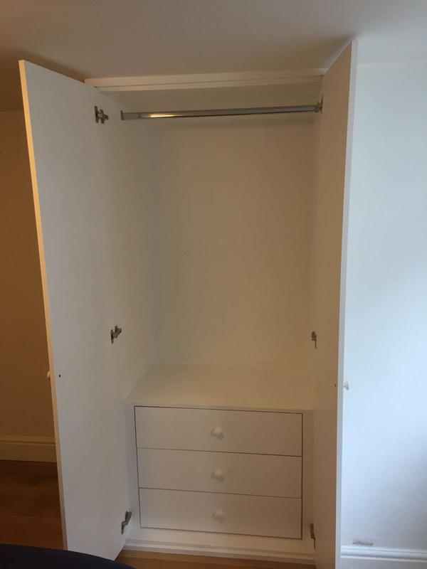 Image 14 - Inside the single wardrobe