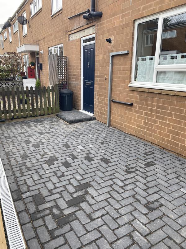 Image 11 - New charcoal block paving to front garden
