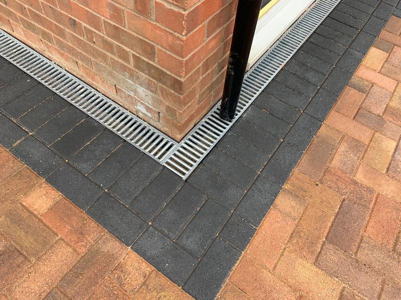 Image 21 - Block paving