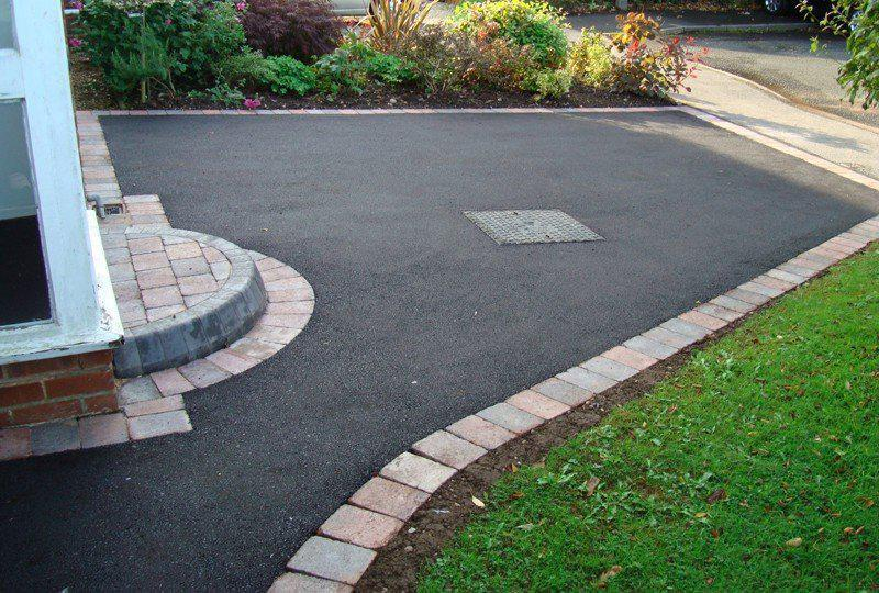 Image 134 - Another tarmac job rumble block paved border line with semicircle step #TOTAL PAVING