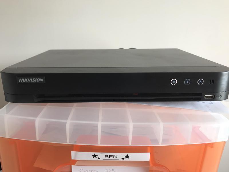 Image 49 - Hikvision ds7204 cctv DVR