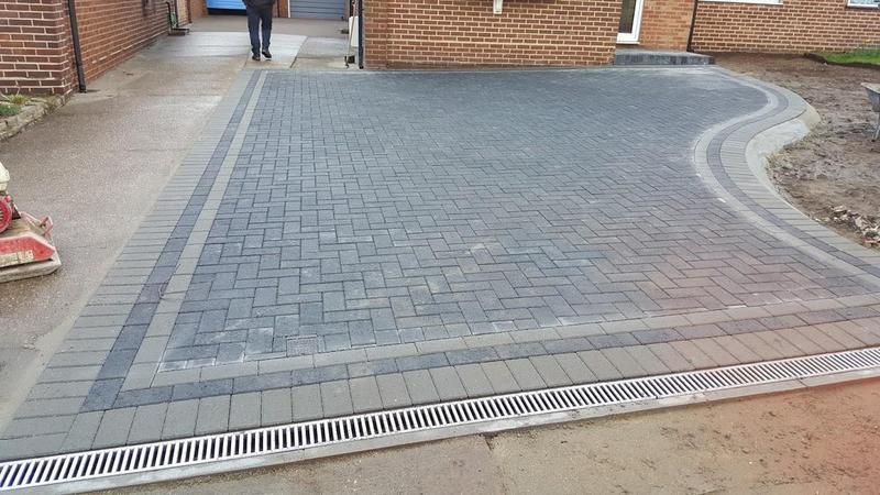 Image 31 - Block paving