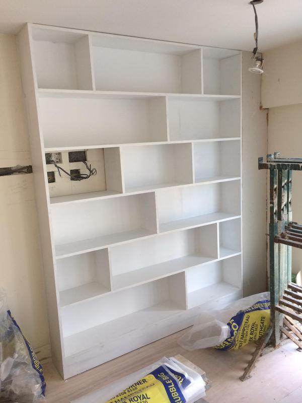 Image 40 - Bookshelf