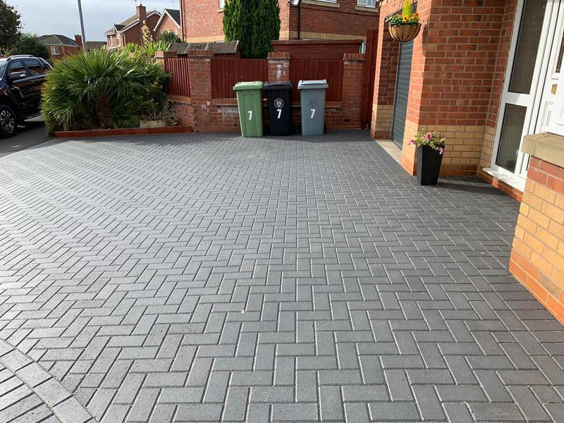 Image 23 - Block paving