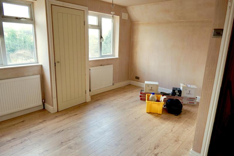 Image 9 - Bedroom floor and skirting