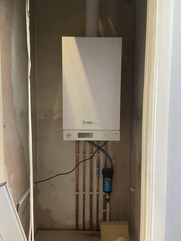Image 11 - New Viessmann 35 kw 100 combination boiler with extended warranty to 10 years in Reigate
