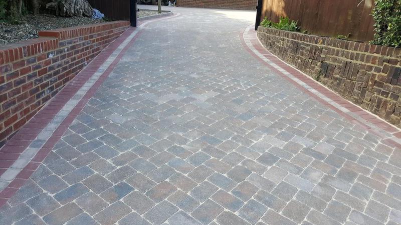 Image 32 - Block paving
