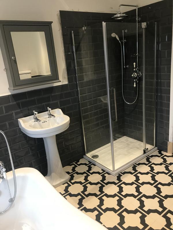 Image 22 - Shower unit