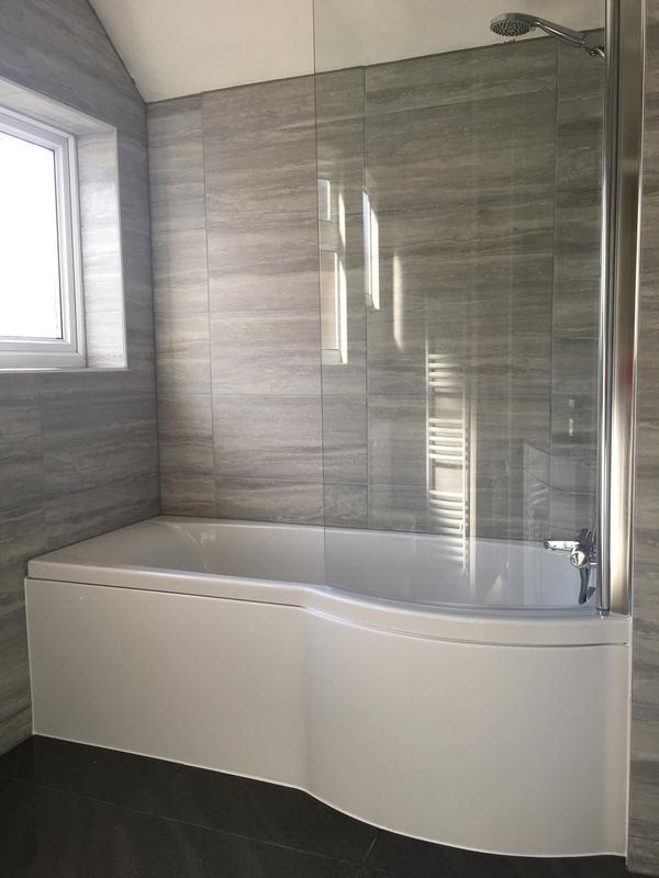 Image 12 - Shower baths