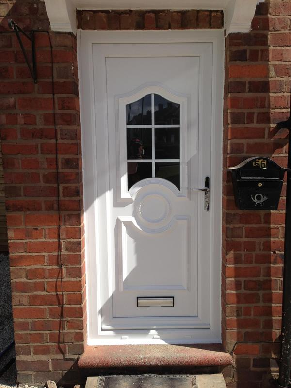 Image 22 - Upvc front doors £650 fully fitted choose any door from our online brochure @ diamondwindows.co