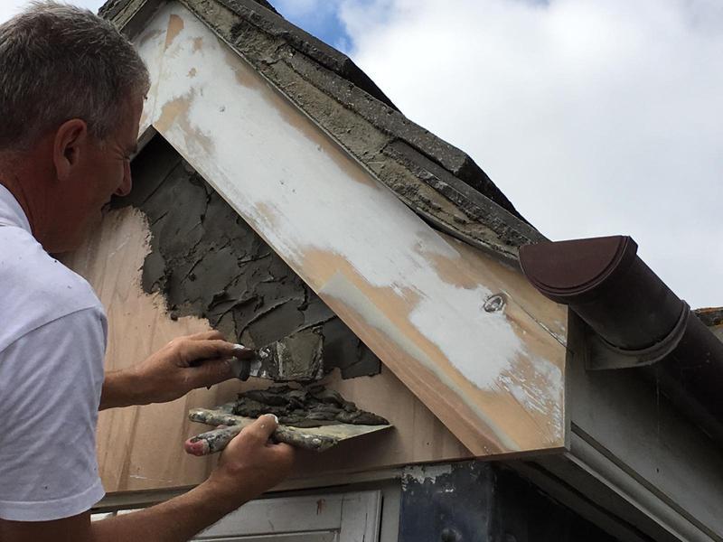 Image 4 - Dorma during repairs