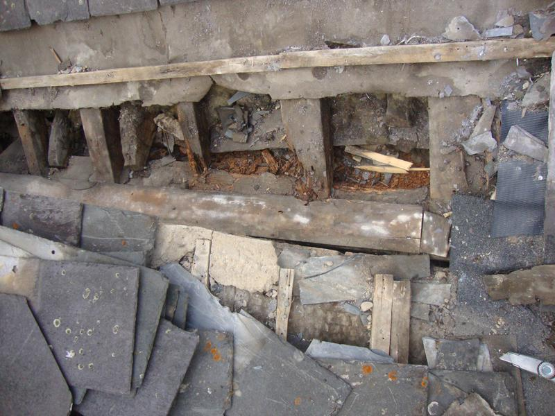 Image 7 - Damaged gully with no Lead-BEFORE