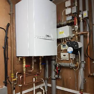 Image 8 - Vaillant Commercial 65kW system boiler