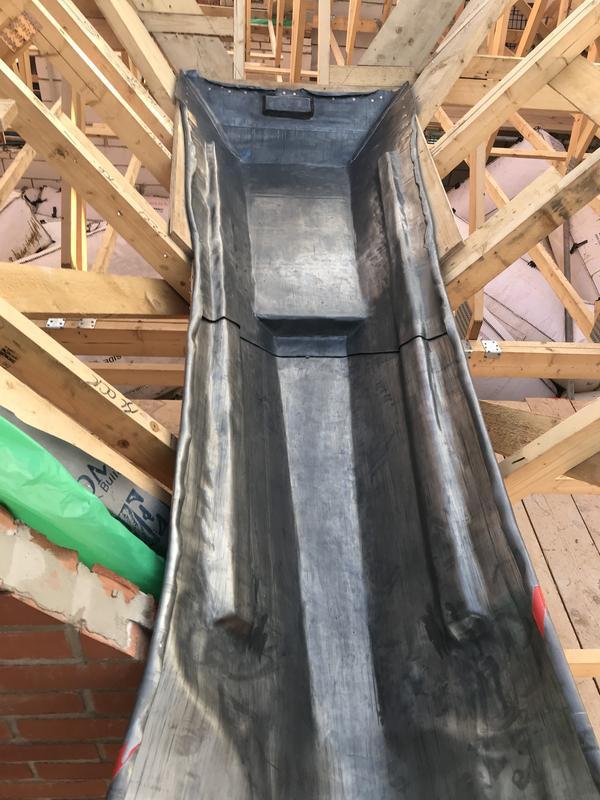 Image 18 - Box gutters/gulley in lead.