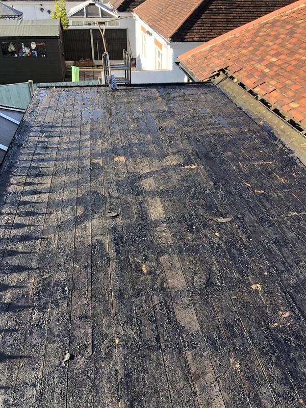 Image 4 - Flat roof during