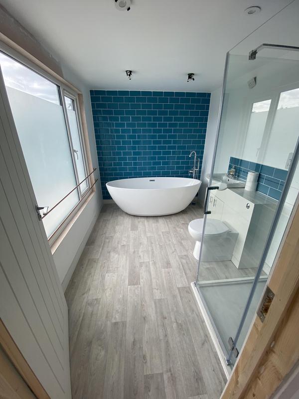 Image 76 - En-suite to master bedroom