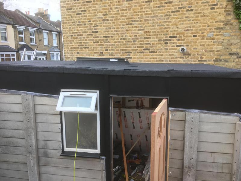 Image 15 - Flat roof with skylight installed