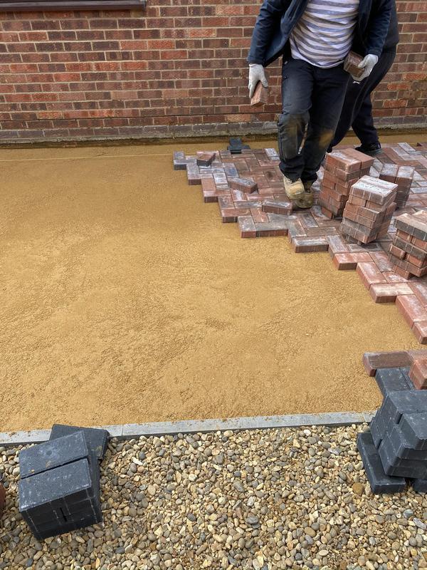 Image 35 - Block paving