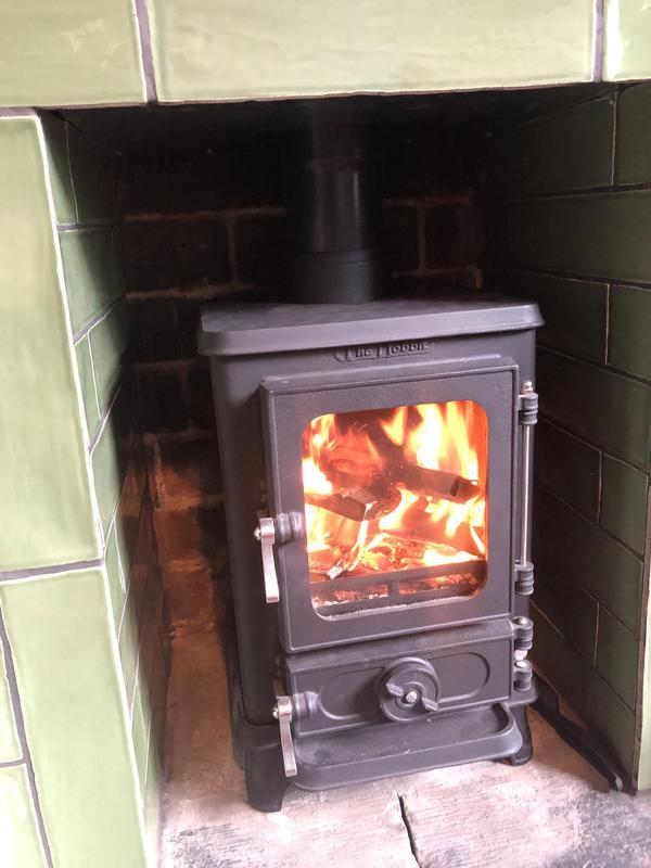 Image 8 - Quality Hobbit stove