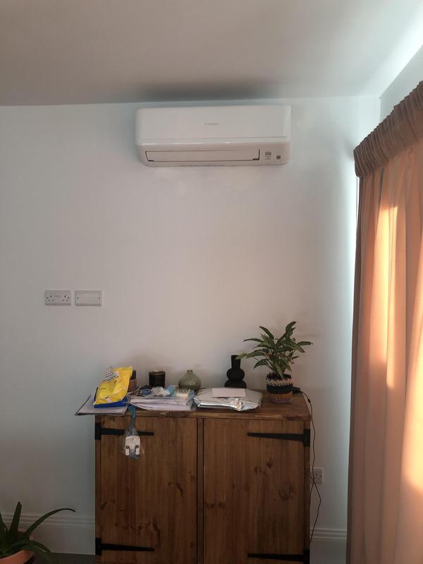 Image 17 - Mitsubishi living room wall mounted unit