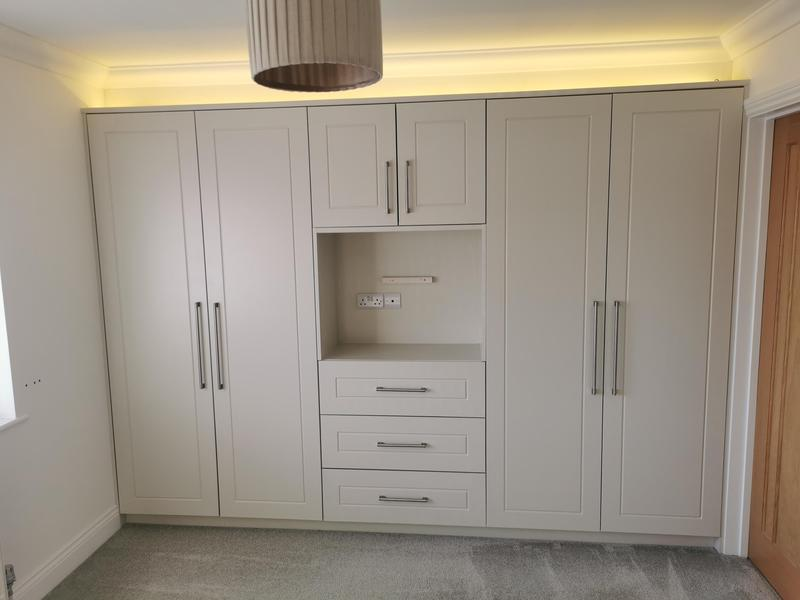 Image 1 - Bespoke fitted wardrobes