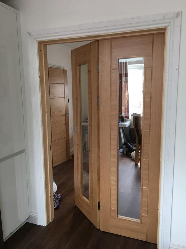 Image 28 - Folding doors.