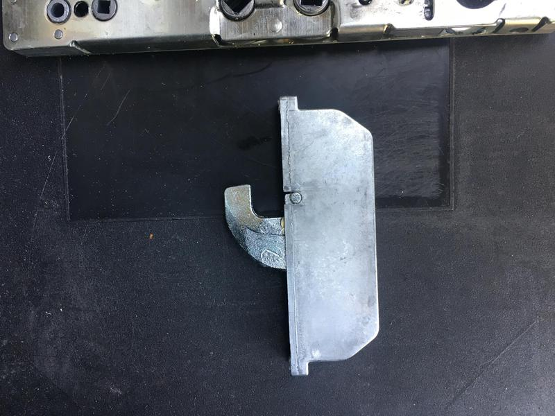 Image 28 - Gearbox replaced in above pic and Roller hook replaced on same mech