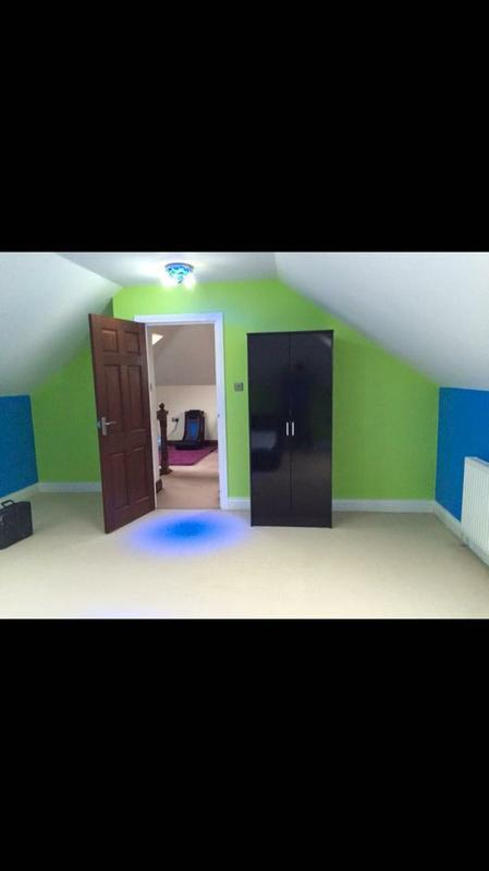 Image 48 - lime crush and cracu blue walls with satin white wood