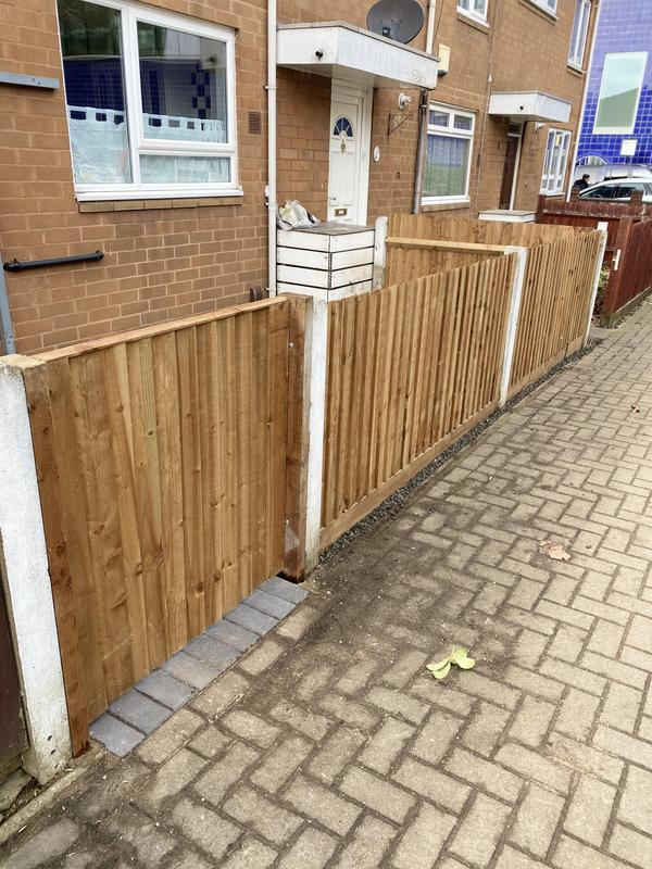 Image 34 - New fencing to front garden Wandsworth
