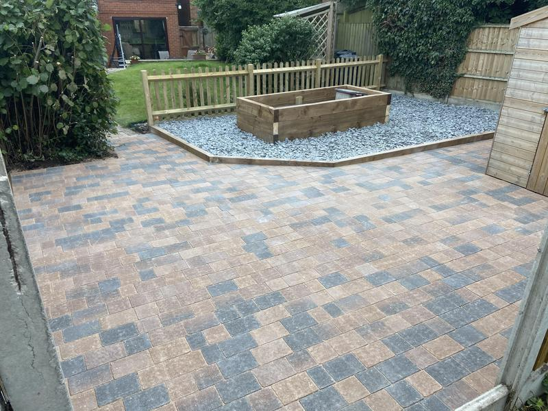 Image 3 - Rear garden full landscape patio and slate stone and sleeper bed and picket fence Coventry