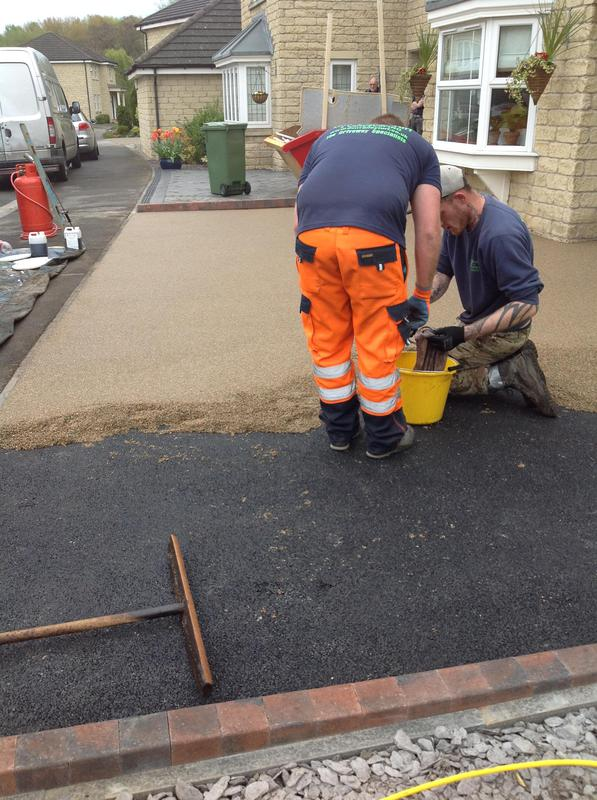 Image 7 - Laying the resin
