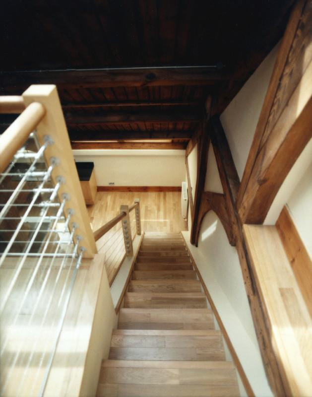Image 24 - Staircase