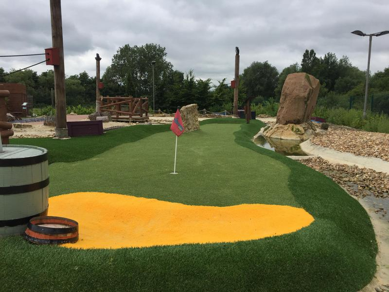 Image 13 - Crazy Golf
