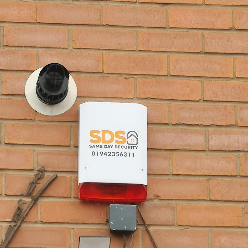 Image 16 - Wireless alarm system fitted to The Lounge bar Tyldesley