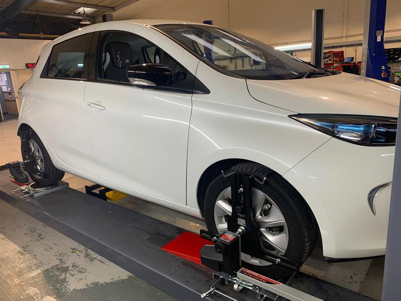 Image 16 - Signature MK wheel alignment specialists