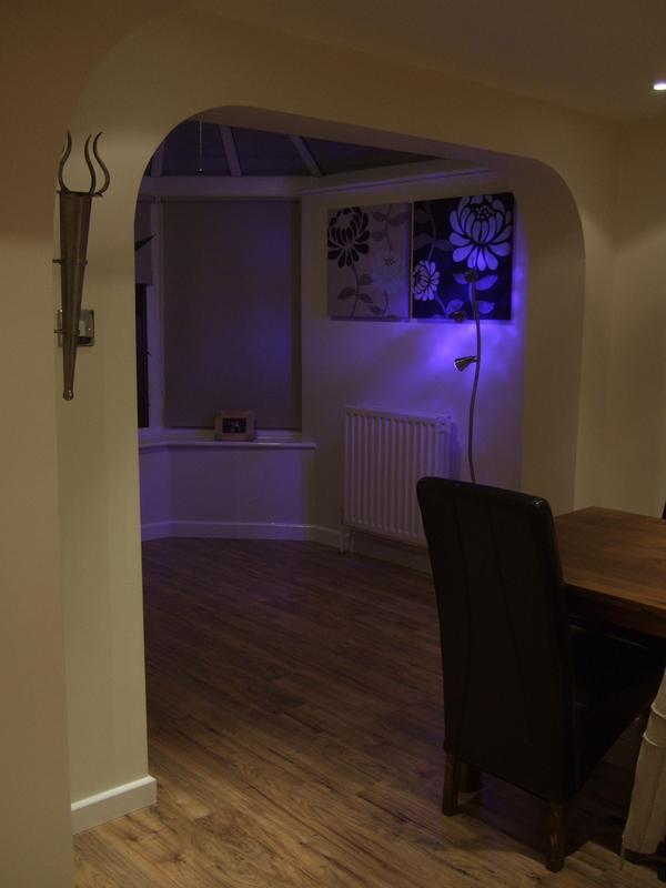 Image 12 - Decoration & laminat flooring