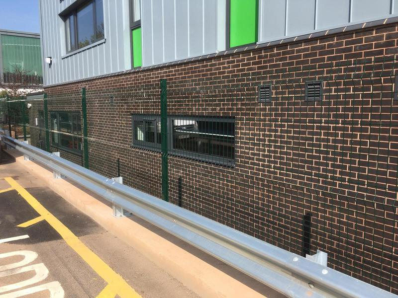 Image 111 - Vmex fencing with Armco safety barrier